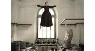 'La Cocina', performance da artista sérvia Marina Abramovic em homenagem a Santa Teresa de Ávila e suas experiências de êxtase e levitação Crédito: TIC y Museos Performance Art
