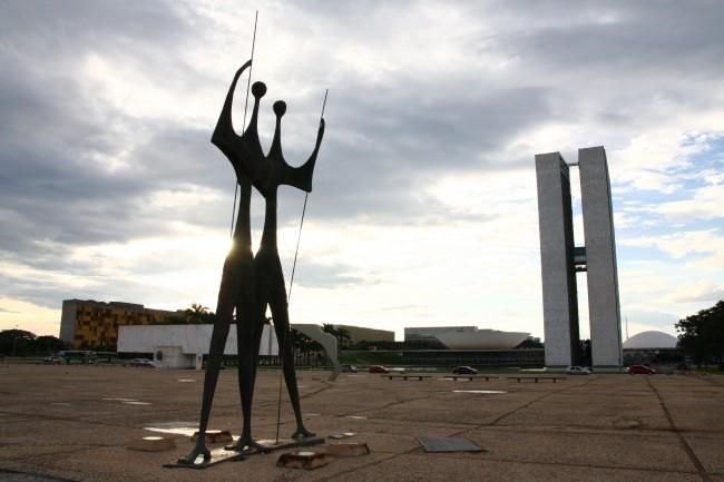 Brasília: olhos voltados para lá, mas pela Educação e a infância (Foto Adriano Rosa)