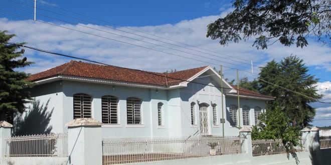 """Este é o  Grupo Escolar Minas Gerais que conheci, hoje Escola """"José Soares de Araújo"""", em homenagem ao meu avô sonhador"""