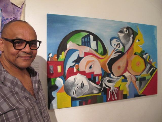 """O artista plástico Robinson José da Silva e sua """"Mãe das ruas"""", homenagem às mães, sobretudo às mães excluídas, oprimidas pela sociedade (Foto José Pedro Martins)"""