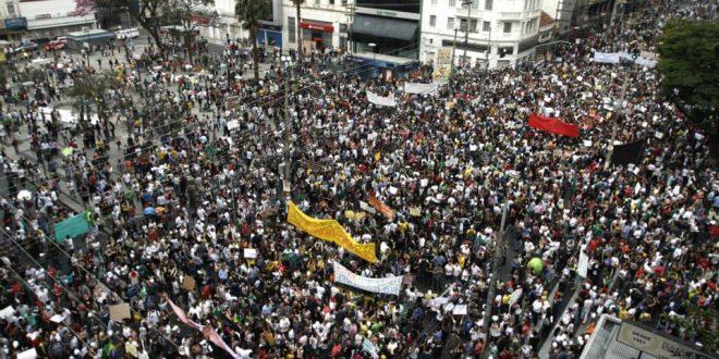 Manifestação no centro de Campinas, em 20 de junho de 2013: oportunidade histórica para o Brasil foi perdida (Foto Adriano Rosa)