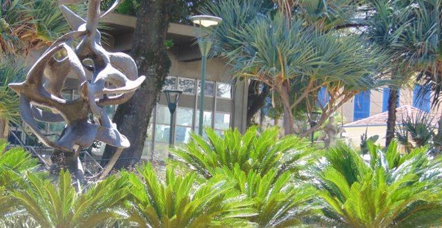 Jardins do MACC e Biblioteca Municipal, um dos espaços que mostram a escolha de Campinas por avanços civilizatórios (Foto José Pedro Martins)