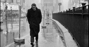 """O filme """"Life – Um Retrato de James Dean"""" conta a história desta foto do ator que viria a ser um dos grandes símbolos de uma época; o ensaio foi feito pelo fotógrafo novato Dennis Stock"""