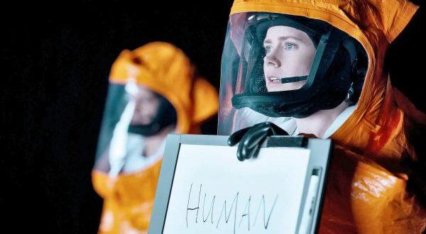 """O filme """"A Chegada"""" desafia a inteligência do espectador ao abordar questões que a humanidade não se cansa de fazer"""
