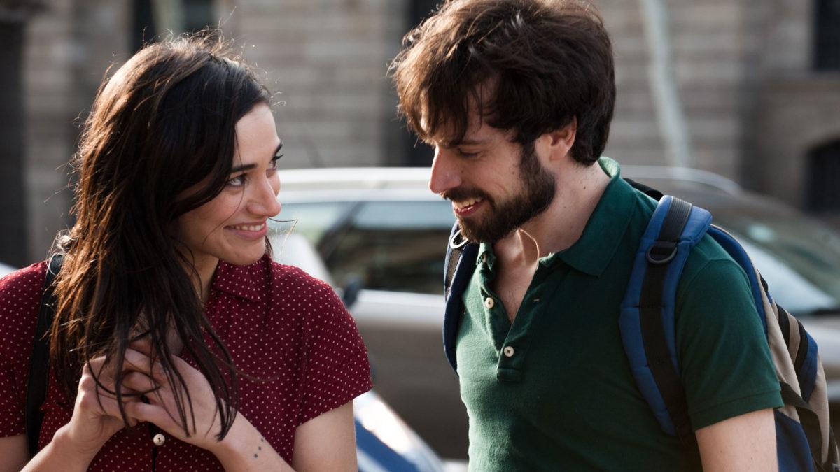 """""""Noite de Verão em Barcelona"""", quase todo falado em catalão, trata do amor em seis histórias bem amarradas"""