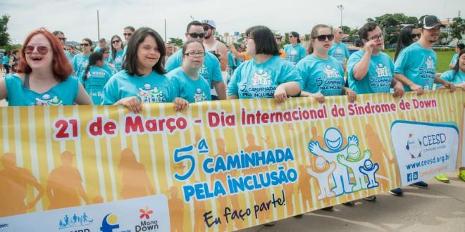A sexta edição da Caminhada pela Inclusão, promovida pelo CEESD e Fundação Síndrome de Down, será no próximo dia 19 de março, na Praça Arautos da Paz, Campinas, a partir das 9 horas (na foto, de Martinho Caires, a edição de 2016)