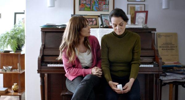 Maria Ribeiro e Clarisse Abujamra: no centro da trama (Foto Divulgação)