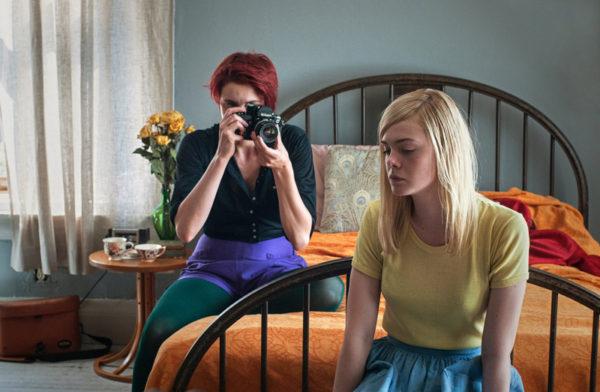 Greta Gerwig e Elle Fanning, que tem atuação perturbadora (Foto Divulgação)