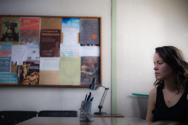 A terapeuta portuguesa Camila, vivida por Joana de Verona (Foto Divulgação)